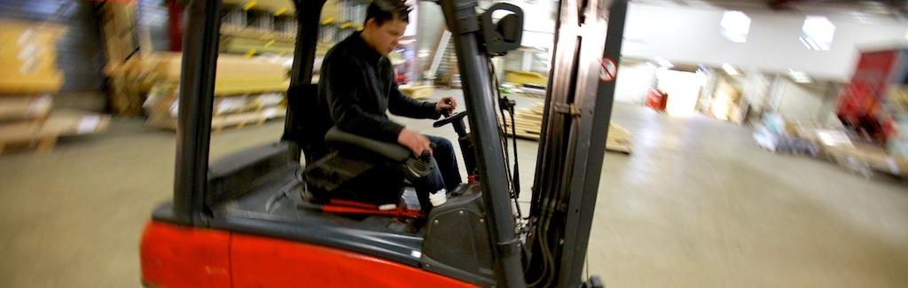 addink-transport-verhuizingen-zutphen-heftruck-IMG_8800